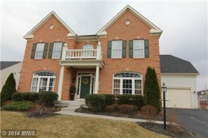 20127 Courtland Village Drive in Leesburg, Virginia is a STUNNING home, both inside and out!