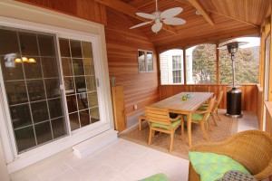 Large screened-in porch to enjoy your morning cup of coffee